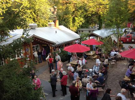 Enjoy an outdoor event at Hubba Hubba Smokehouse